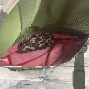 Herschel Supply Company Bags - Herschel Camo messenger bag tote
